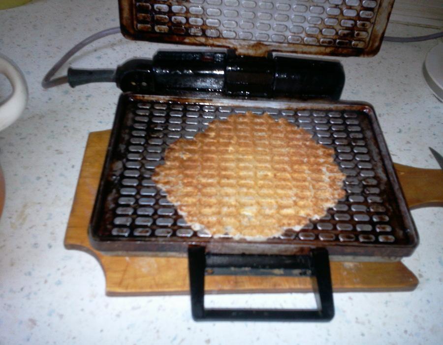 Кабачковые вафли в электровафельнице, вкусный и простой рецепт. Фото
